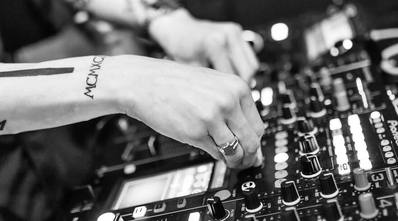 Como Virar um DJ em 8 Passos